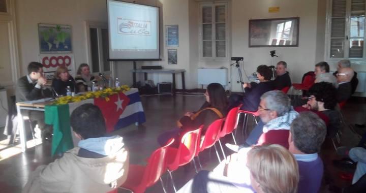 Donne resistenti/ Dalla Cuba post rivoluzionaria all'Italia partigiana