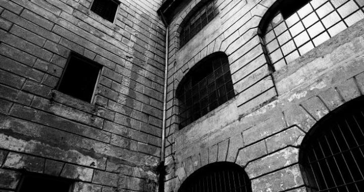 Gin Angri/ Memoria in vendita: l'ex carcere di San Donnino