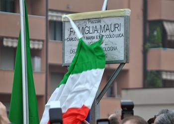 Inaugurato il piazzale dedicato alla famiglia Mauri, vittima della strage fascista di Bologna