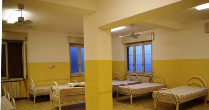 Apre il nuovo dormitorio Caritas dai Comboniani di Rebbio/ Servono volontari/e