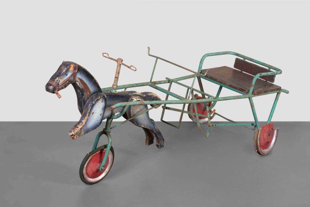 cavalluccio con calesse a pedali appartenuto ai nipoti di Giuseppe Terragni.jpg