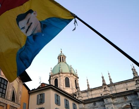 Curdi/ Pd: fermare la strage, striscione di condanna su Palazzo Cernezzi
