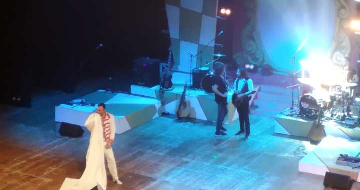The show must go on/ Queenmania band al Sociale