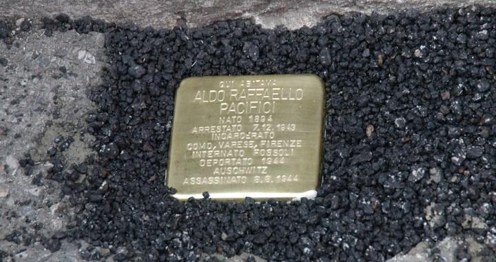 Posata la prima pietra d'inciampo a Como