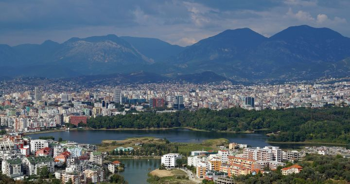 Personali geografie/ Tirana, Albania