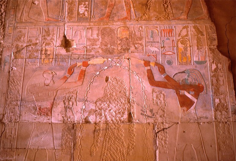 1280px-Horus_and_Thot_purifying_Hatshepsut_(chiseled_away_by_her_stepson_Thutmose_III)..._(36101001330)