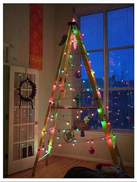 rbol de navidad con escalera