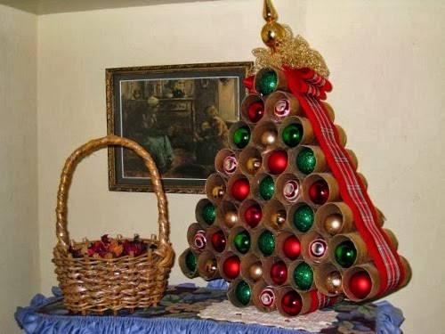 rbol de navidad con rollos de papel