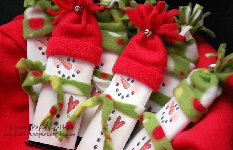Muñeco de nieve con rollos de papel higiénico