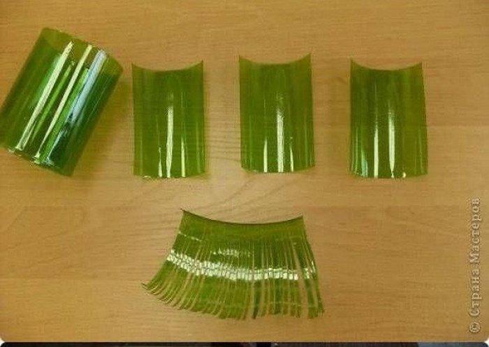 C mo hacer un rbol de navidad con botellas de pl stico - Plastico inyectado casero ...