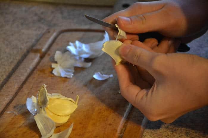 pelar diente de ajo