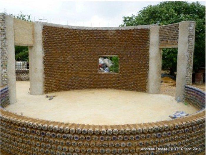 casa_construccion_sostenible_con_botellas_pet_recicladas