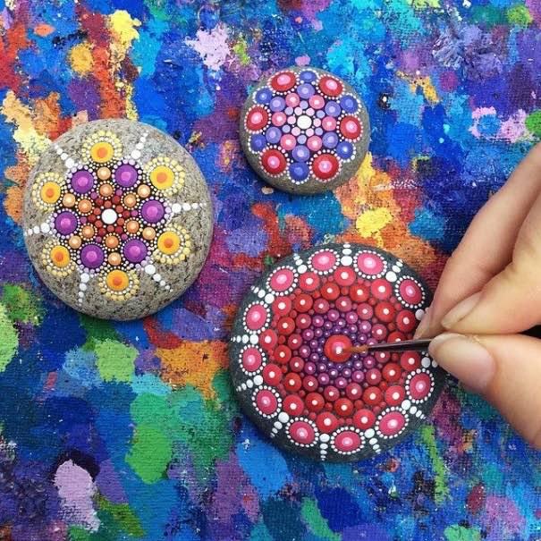 Como pintar piedras para crear coloridos Mandalas14