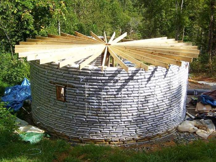 Earthbags aprende a hacer una casa con sacos de tierra for Cordwood house cost
