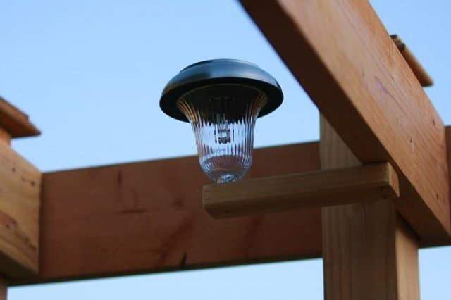 Como hacer una ducha solar al aire libre 6
