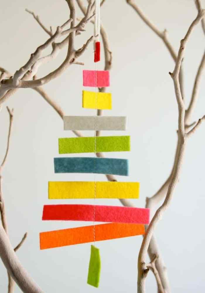 Arbol navideño con trozitos de tela