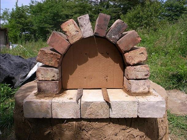 Cómo hacer un horno de cob casero4