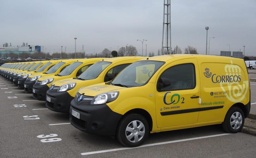 Correos España incorpora 125 vehículos eléctricos a su flota