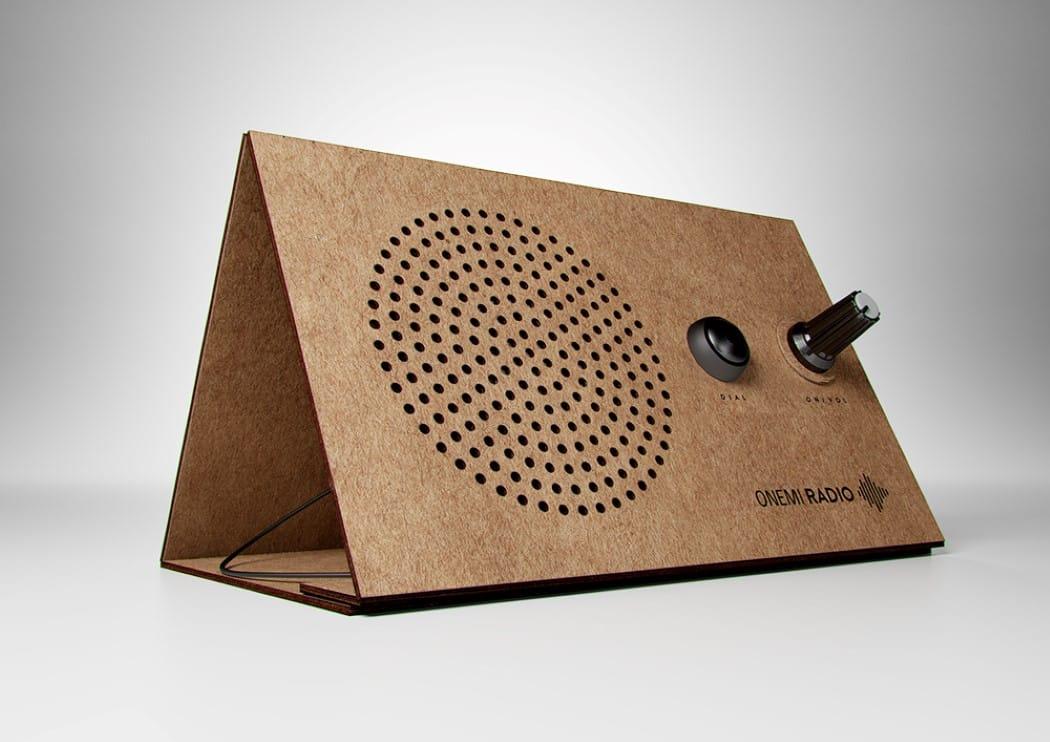 ONEMI. La Radio solar de cartón para emergencias