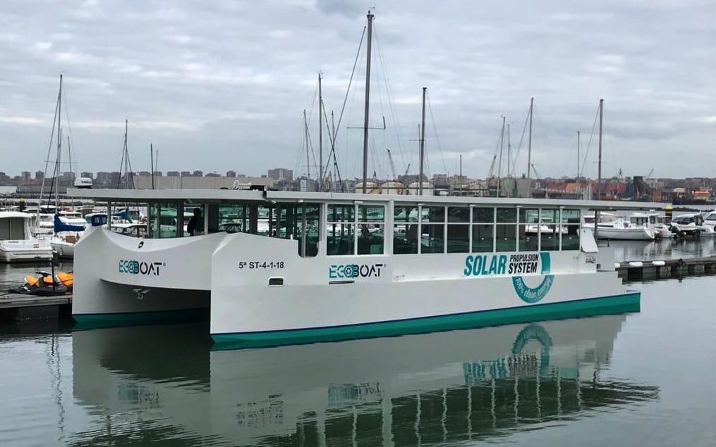 Ecocat, el primer catamarán europeo propulsado por energía solar