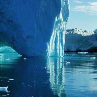 iceberg_sea_water_glacier_nature_3840x1080_hd-wallpaper-405627