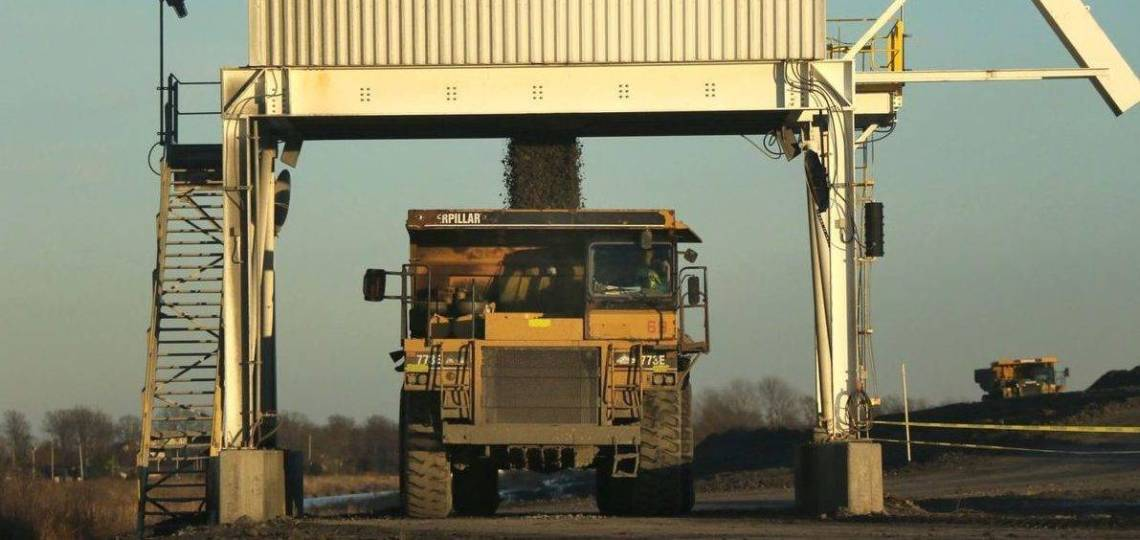 coal-poured-into-dump-truck-at-hamilton-country-coal