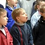 Un groupe d'élève pendant un cours de chant lors de la galette des rois 2019 à l'école Notre Dame de l'Espérance
