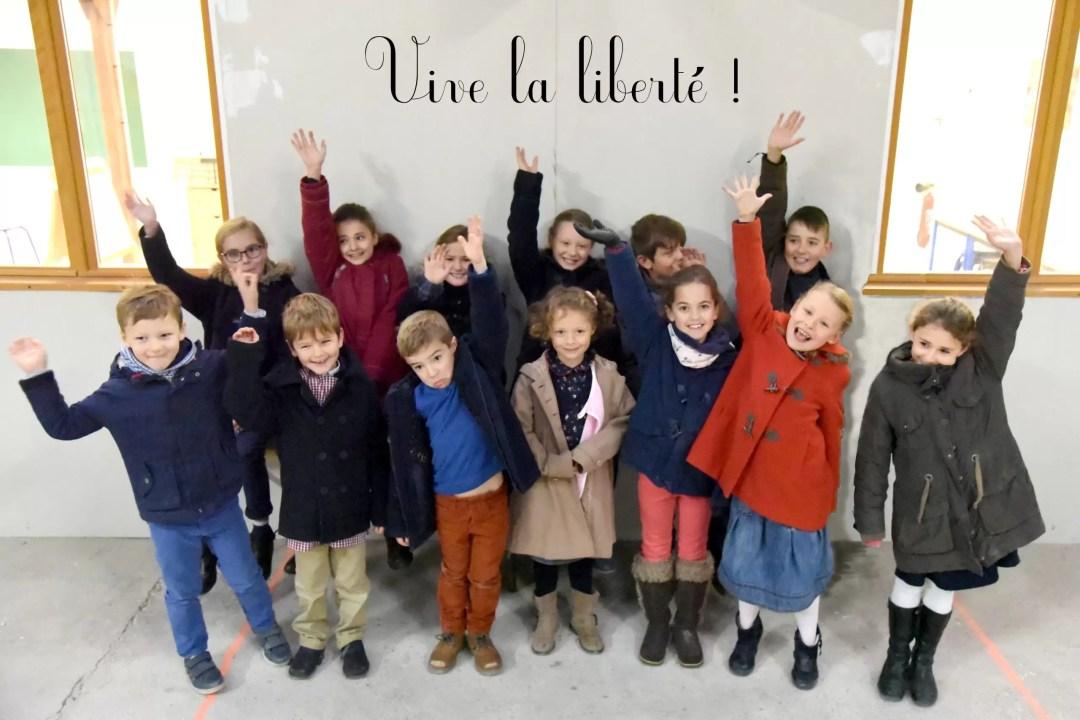 Une photo de classe de l'école Notre Dame de l'Espérance