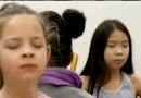 Dans les écoles canadiennes, la méditation facilite l'apprentissage depuis plus de 10 ans