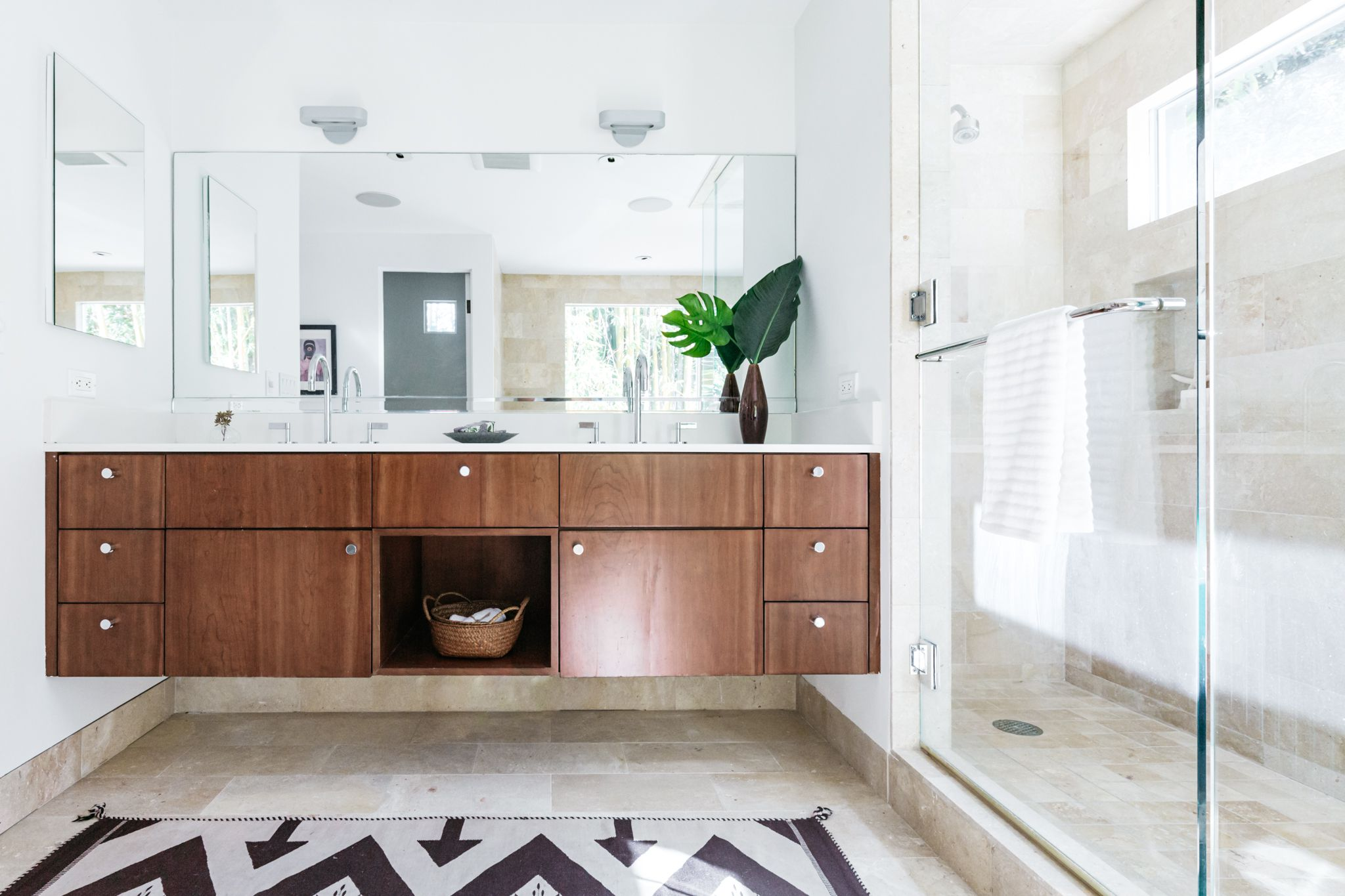 bathroom-design-ideas-and-inspiration-4101873-hero-c194d168c4aa4607b2f9a345c778d750