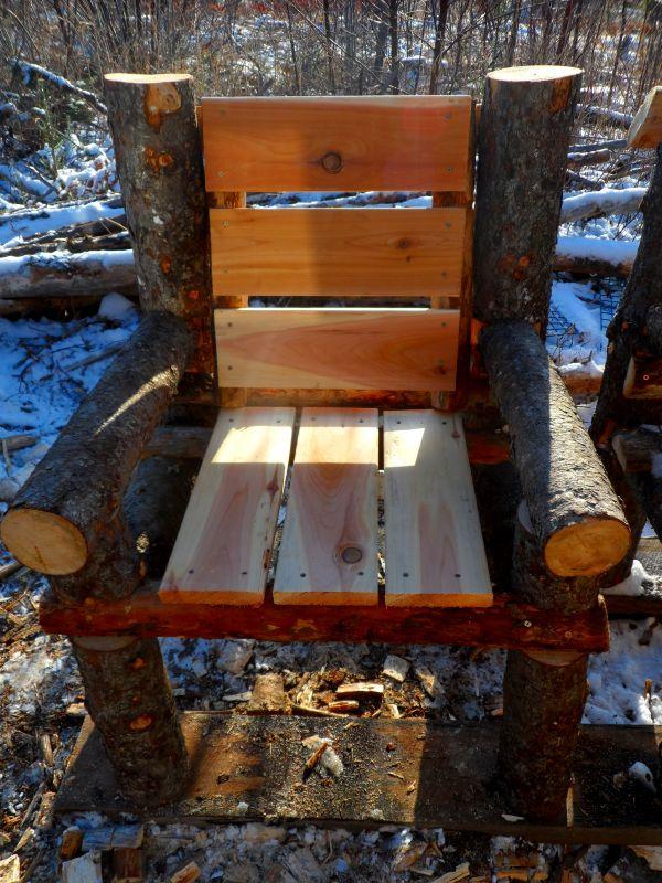 Bancos y sillas hechos con troncos Ideas super originales