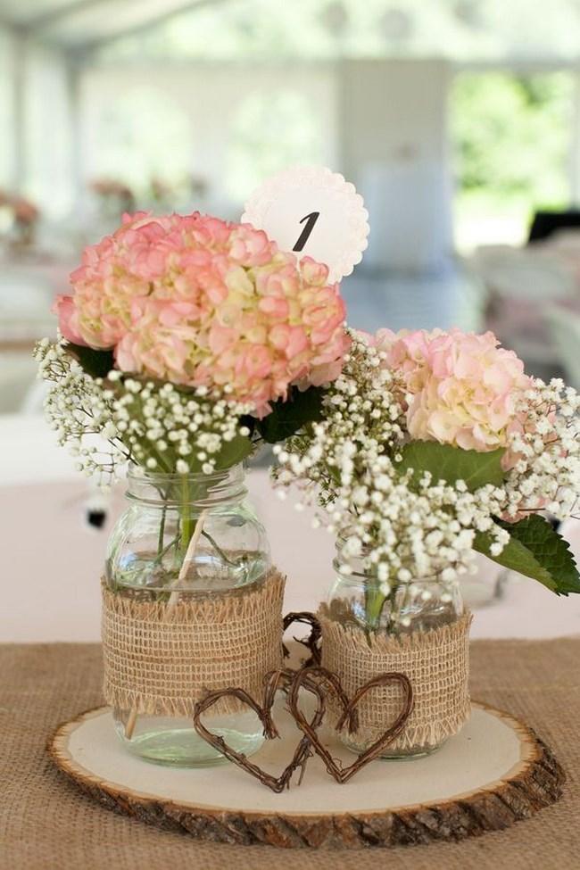 Centros de mesa para casamiento con botellas frascos y flores  Ecologa Hoy