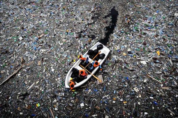 Вот, как выглядит мусор в океане (Видео)