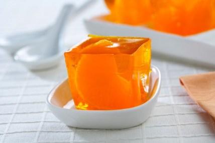 Gelatina de naranja con mandarinas