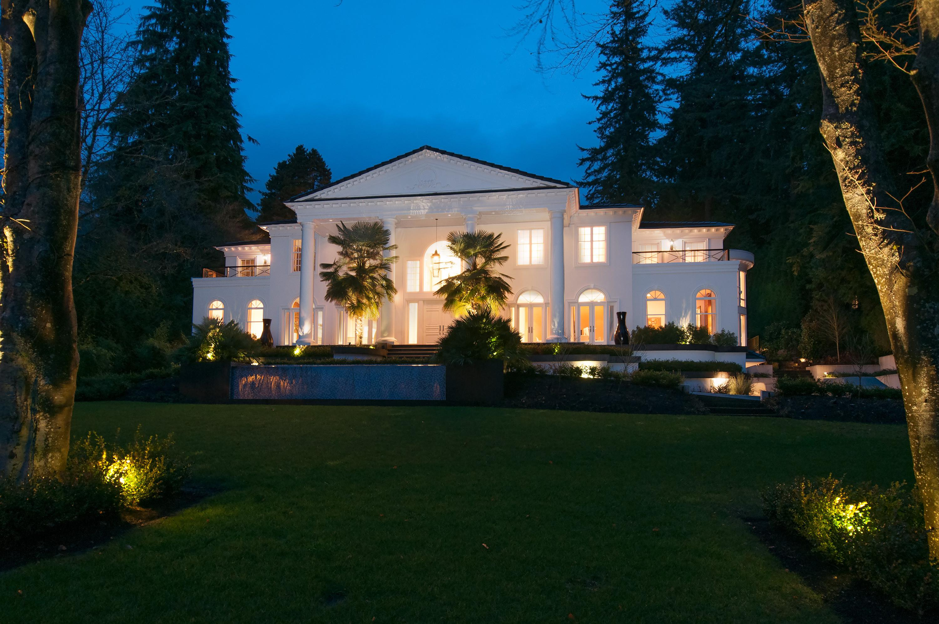 West Van's $22M 'White House' is Prime for Entertaining [PHOTOS/VIDEO]