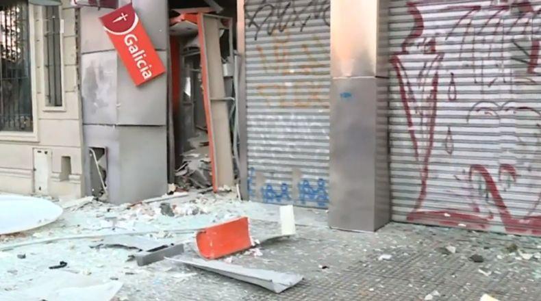 Explosión de un cajero automático en Ramos Mejía