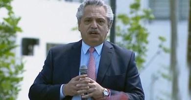 """Fernández: """"No hay mejor inversión que podamos hacer que invertir en la educación de nuestra gente"""""""