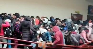 Tragedia en Bolivia: Al menos siete estudiantes mueren al ceder una baranda de Universidad Pública de El Alto