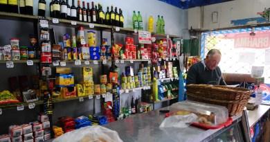 """Almacenes: """"Hay 20 monopolios dueños de la comida de los argentinos"""""""