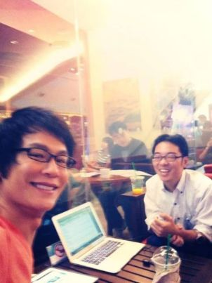 Behind the scenes: discussing with Khun Moo from Ookbee