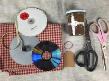 idea riciclo vasetti per Natale, golosa,vegan ed ecologica