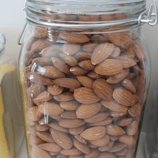 Almendra entera granel
