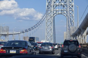 Bridge tolls and traffic congestion