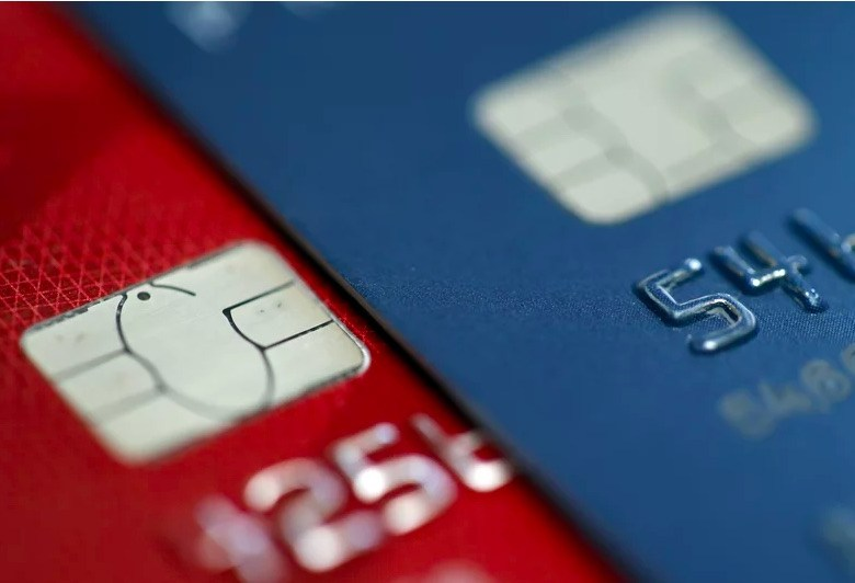 Weekly Economic News Roundup and credit card signatures