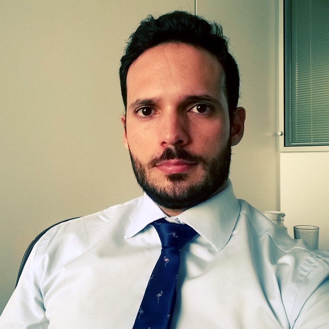 Resultado de imagem para Rafael Leão é especialista em Políticas Públicas e Gestão Governamental