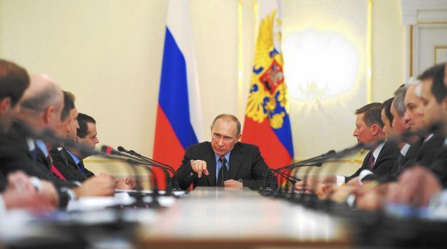 la-apphoto-russia-putin-cabinet-jpg-20140306