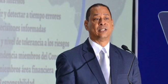 Superintendente de Bancos Luís Armando Asunción entre funcionarios mejor valorados según ABC Consulting Latinoamérica