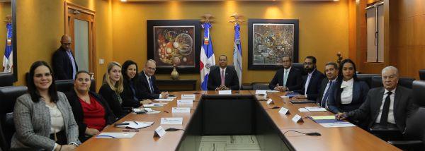 SIB Luis Armando Asunción se reúne con funcionarios del Tesoro de EEUU