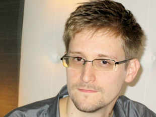 https://i0.wp.com/economictimes.indiatimes.com/thumb/msid-20516148,width-310,resizemode-4/edward-snowden-ex-cia-worker-who-blew-the-lid-on-nsas-surveillance-program.jpg