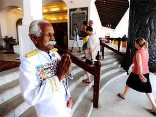 KottarapattuChattuKuttanwho served world leaders like Mahatma Gandhi,JawaharLalNehru,IndiraGandhi and Richard Nixon at the famousGalleFace Hotel.